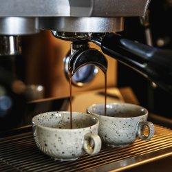 Vybavení pro větší kavárnu